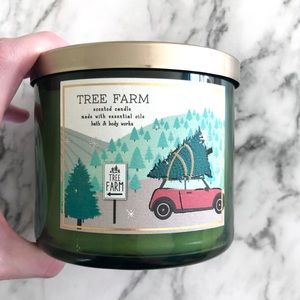 Bath & Body Works 3-Wick Holiday Tree Farm Candle
